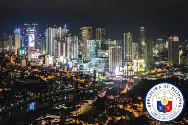 the city of Manila at night